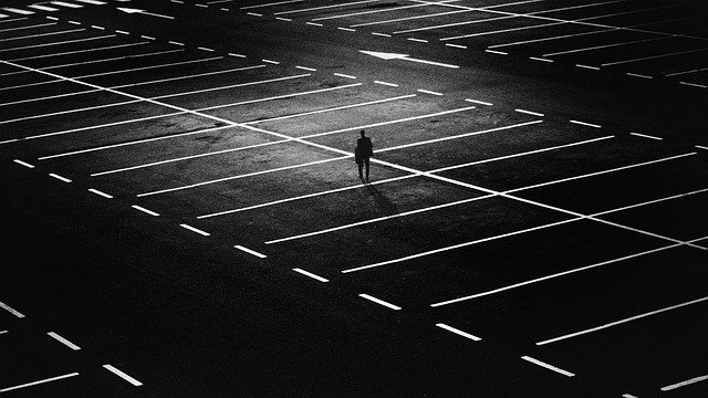 parking przy lotnisku warszawa szyszkowa